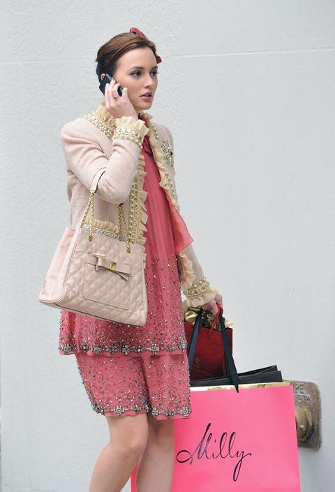 Sleeve, Bag, Style, Fashion accessory, Fashion, Luggage and bags, Shoulder bag, Street fashion, Fashion design, Makeover,