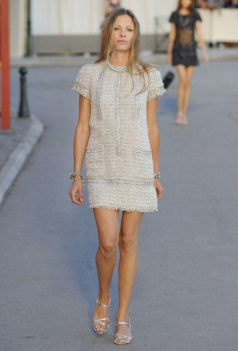 Clothing, Footwear, Leg, Shoulder, Human leg, Joint, Style, Dress, Summer, Street fashion,