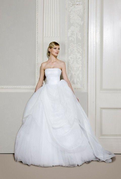 8fb75a377356 Antonio Riva collezione abiti da sposa 2012