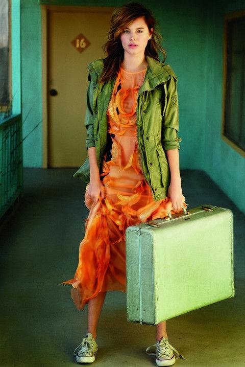 Footwear, Green, Human leg, Textile, Style, Orange, Fashion, Fashion model, Teal, Street fashion,