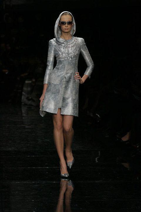 Fashion show, Dress, Runway, Style, Fashion model, One-piece garment, Fashion, Street fashion, Day dress, Model,