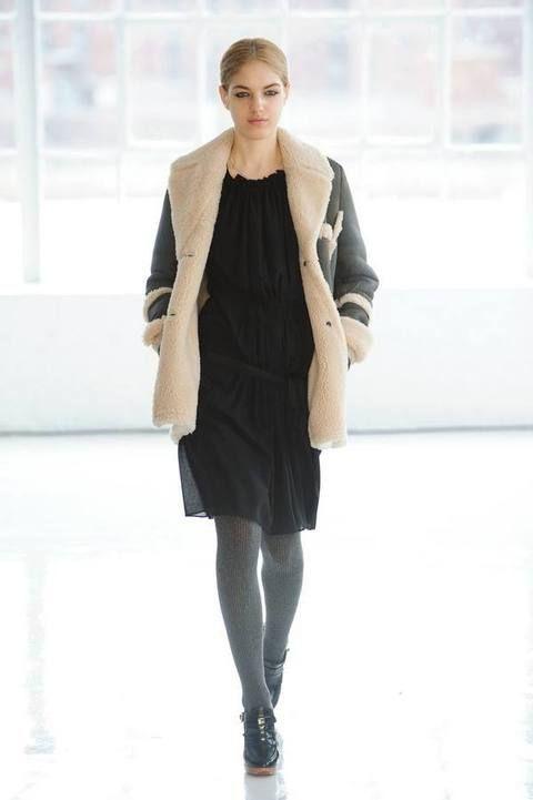 Clothing, Sleeve, Shoulder, Joint, Outerwear, Bag, Style, Street fashion, Fashion model, Fashion,