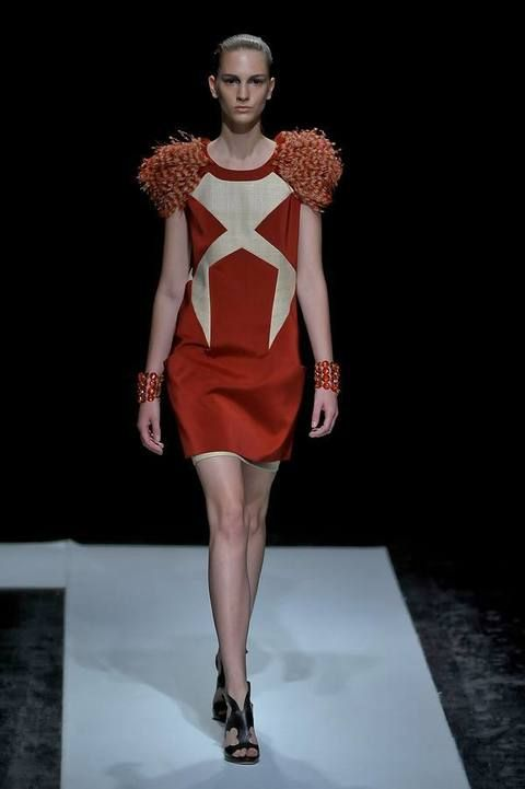 Human, Shoulder, Human leg, Joint, Dress, Style, Fashion show, Fashion model, Fashion, Runway,