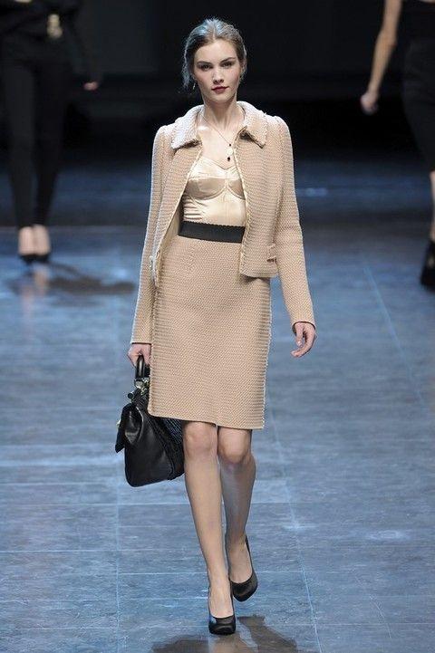 Footwear, Leg, Sleeve, Shoulder, Fashion show, Human leg, Joint, Outerwear, Style, Fashion model,