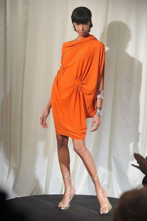Human leg, Fashion show, Shoulder, Joint, High heels, Fashion model, Style, Runway, Fashion, Knee,