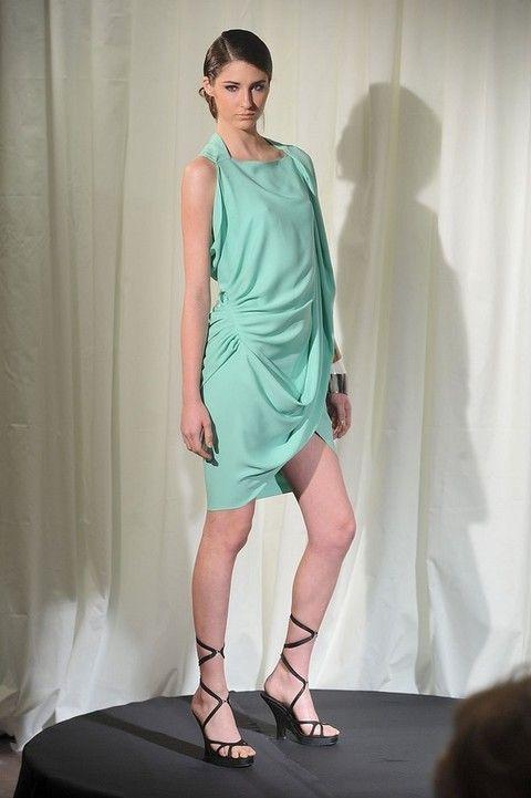 Human leg, Shoulder, Dress, Textile, High heels, Joint, One-piece garment, Style, Formal wear, Sandal,