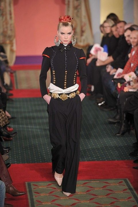 Flooring, Carpet, Floor, Jewellery, Fashion, Waist, Curtain, Fashion design, Makeover, Fashion model,