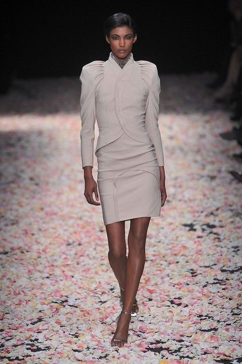 Clothing, Brown, Sleeve, Human body, Shoulder, Human leg, Textile, Joint, Fashion show, Style,