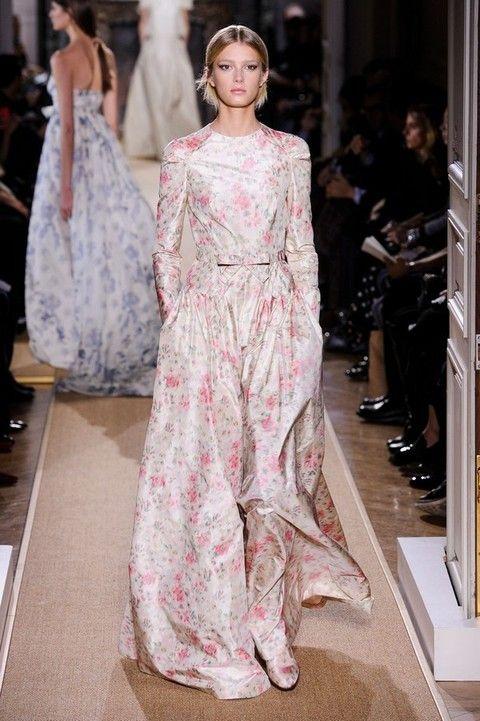 Clothing, Shoulder, Dress, Formal wear, Style, Fashion show, Fashion model, Gown, Fashion, One-piece garment,