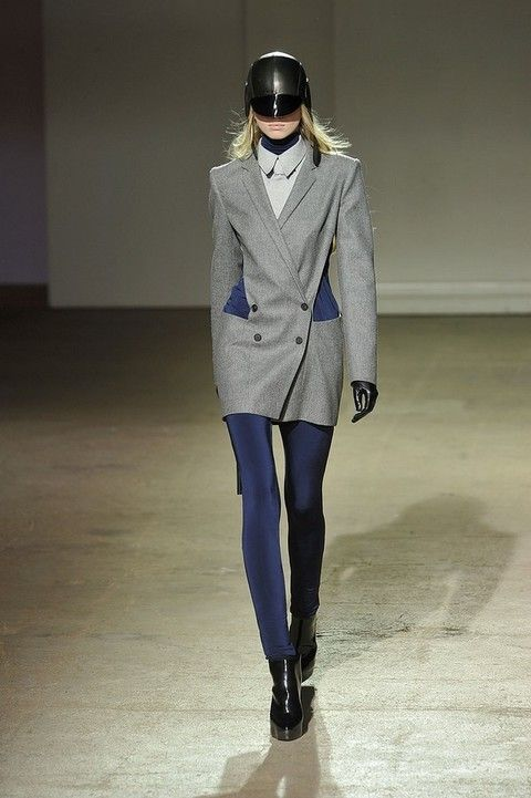Clothing, Sleeve, Joint, Outerwear, Fashion show, Style, Collar, Knee, Fashion, Street fashion,