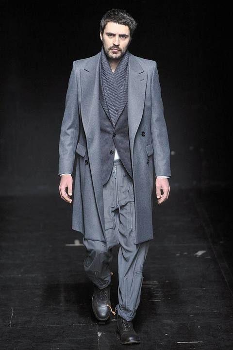 Clothing, Coat, Collar, Sleeve, Shoe, Outerwear, Standing, Formal wear, Style, Blazer,