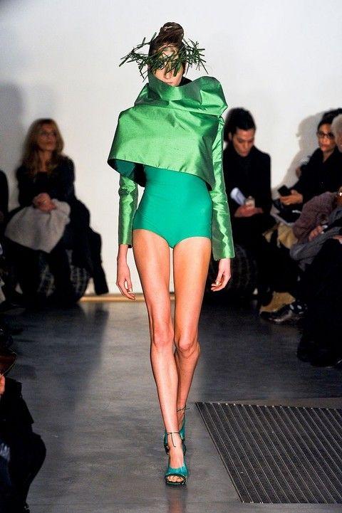 Footwear, Leg, Fashion show, Event, Human body, Shoulder, Runway, Human leg, Joint, Fashion model,