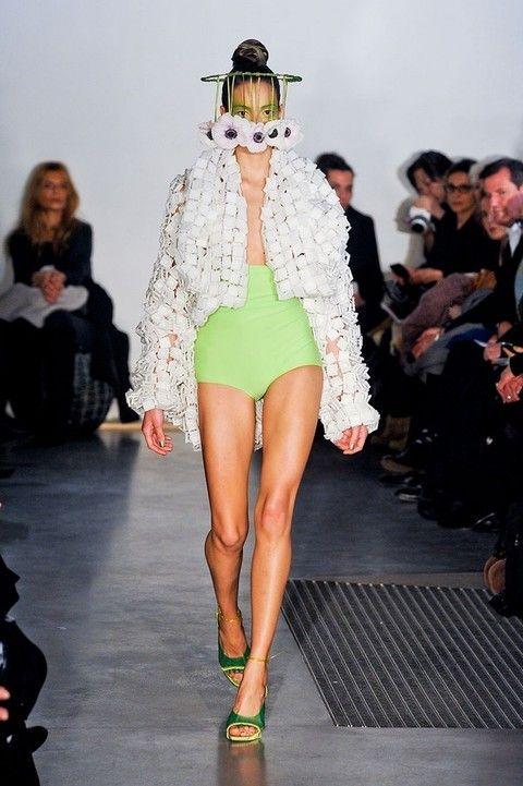 Footwear, Leg, Fashion show, Event, Runway, Shoulder, Human leg, Fashion model, Style, Fashion,