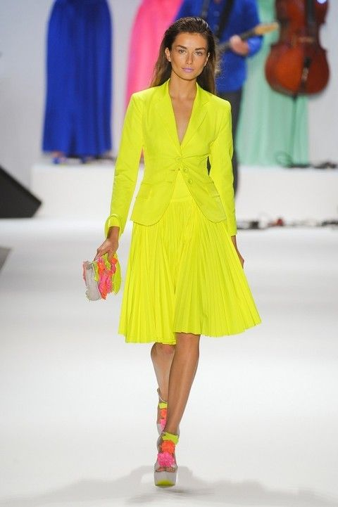 Fashion show, Shoulder, Dress, Textile, Red, Style, Formal wear, Fashion model, One-piece garment, Runway,
