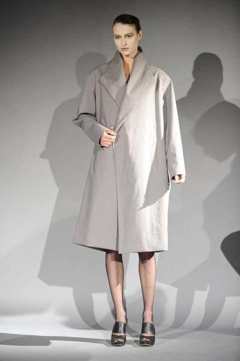 Clothing, Product, Sleeve, Shoulder, Collar, Coat, Joint, Style, Formal wear, Fashion model,