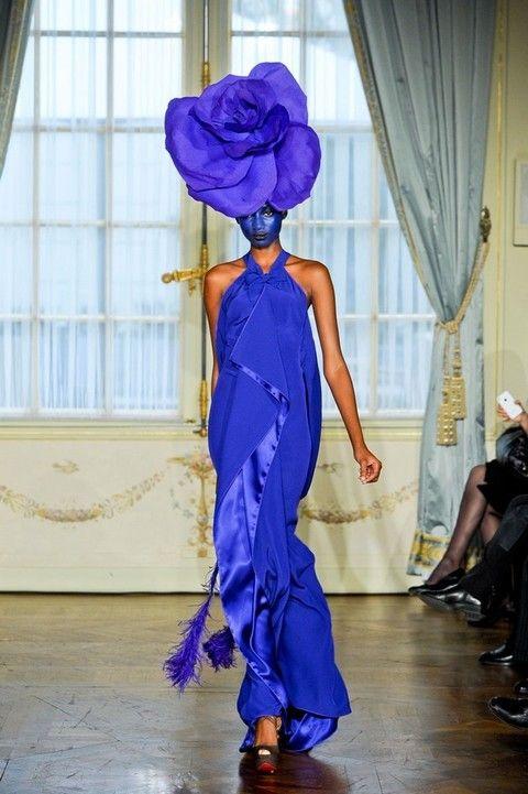 Style, Electric blue, Curtain, Dress, Fashion show, Purple, Cobalt blue, Costume design, Waist, Costume,