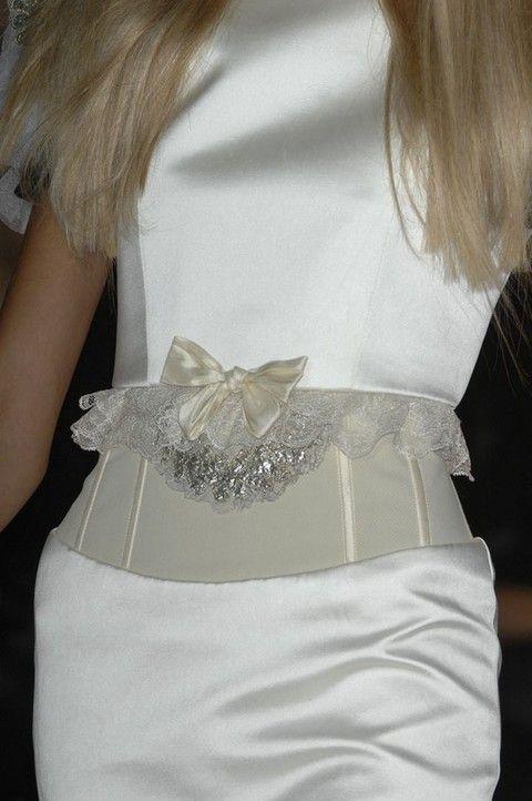 Fashion, Costume accessory, Blond, Bridal accessory, Embellishment, Stingray, Fashion design, Lace, Day dress, Invertebrate,