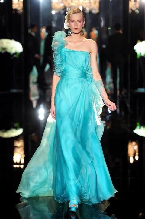 Dress, Formal wear, Teal, Aqua, Gown, Turquoise, Electric blue, Fashion model, Fashion, Embellishment,