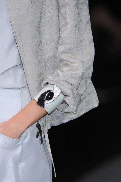 Sleeve, Textile, White, Collar, Cuff, Pocket, Button, Bracelet,