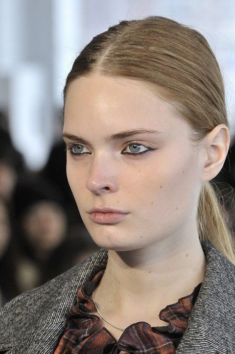 Head, Ear, Lip, Hairstyle, Eye, Chin, Collar, Forehead, Eyelash, Eyebrow,