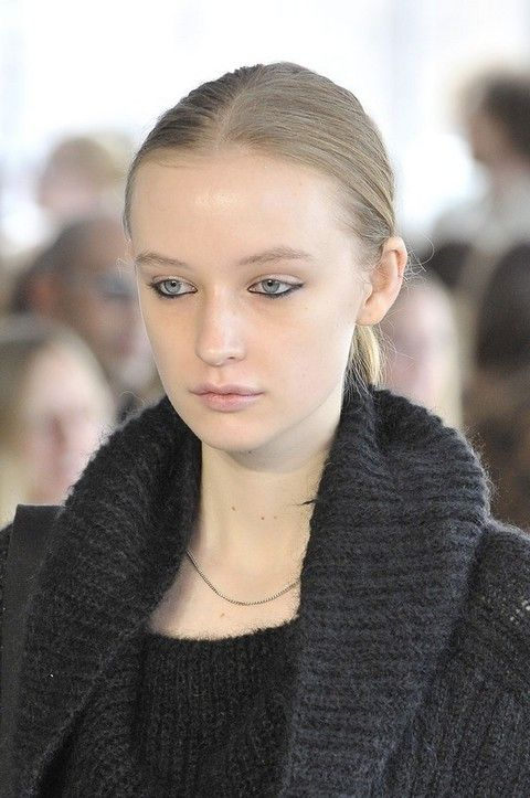Ear, Lip, Hairstyle, Eyebrow, Jewellery, Eyelash, Style, Street fashion, Fashion accessory, Beauty,