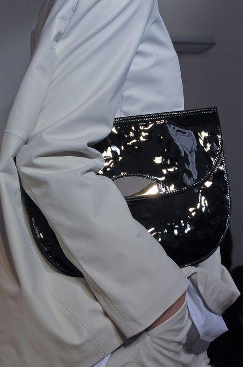 Sleeve, Textile, Embellishment, Lace, Fashion design, Button, Satin, Cuff, Costume accessory, Silk,