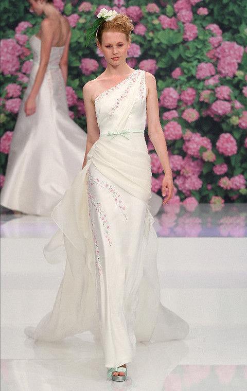 Clothing, Petal, Shoulder, Dress, Textile, Joint, Pink, Bridal clothing, Gown, Formal wear,