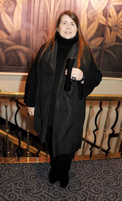 Sleeve, Handrail, Long hair, Baluster, Costume, Mantle, Boot, Stairs, Velvet, Cloak,