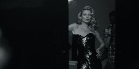 Dress, Strapless dress, Darkness, Black, Waist, One-piece garment, Day dress, Monochrome, Flash photography, Monochrome photography,