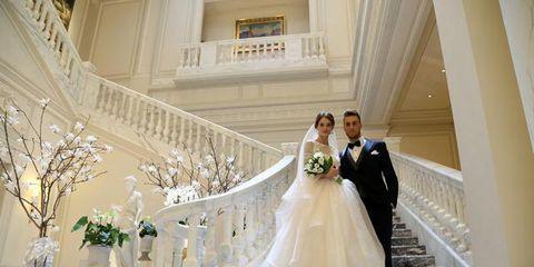 245b17055751 Si è svolta domenica 18 ottobre a Milano negli eleganti saloni di Palazzo  Parigi la seconda edizione di MBWEDDING SURPRISE
