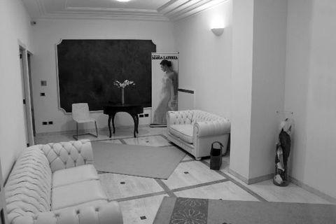 Room, Interior design, Floor, Flooring, Wall, Furniture, Ceiling, Interior design, Grey, Linens,
