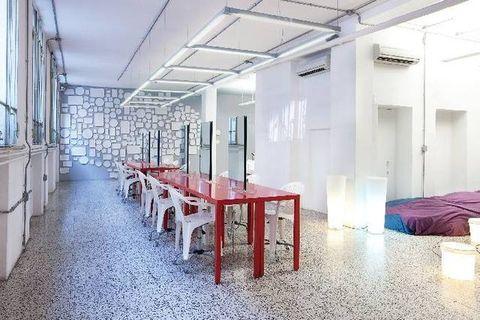 Floor, Interior design, Room, Architecture, Wall, Ceiling, Table, Glass, Fixture, Light fixture,