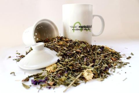 Serveware, Cup, Dishware, Drinkware, Mug, Spice, Ingredient, Teacup, Porcelain, Coffee cup,