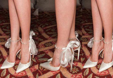 Footwear, Human, Brown, Shoe, Human leg, Joint, Fashion accessory, White, Toe, Red,