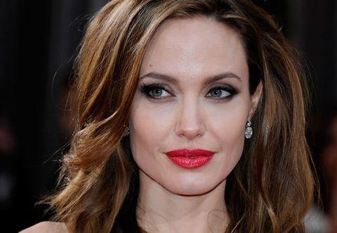 Hair, Nose, Mouth, Lip, Cheek, Hairstyle, Eye, Chin, Forehead, Earrings,