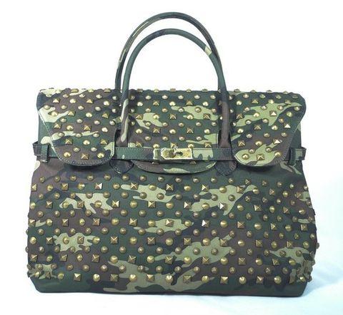 c8bada64d0 Tote Mia Bag in cotone slavato stampa camouflage con fondo in canvas e  borchie all-over. Praticamente la borsa del momento da personalizzare a  proprio ...
