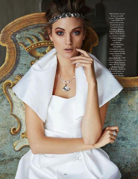 Hairstyle, Eyelash, Style, Fashion accessory, Hair accessory, Headpiece, Fashion, Body jewelry, Fashion model, Model,