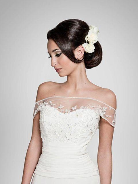 294b322f68f7 Acconciature sposa  come scegliere quella più adatta al proprio stile