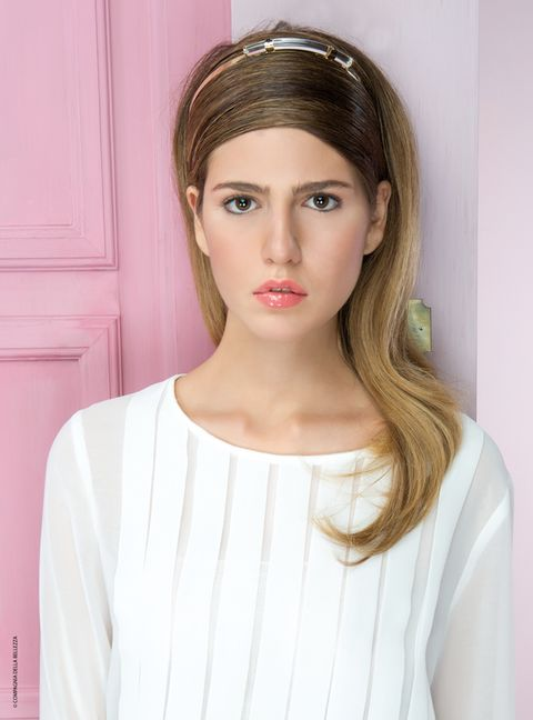 Lip, Hairstyle, Skin, Sleeve, Forehead, Shoulder, Eyebrow, Joint, Eyelash, Style,