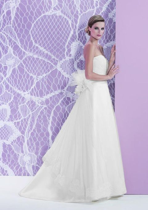 Clothing, Shoulder, Bridal clothing, Dress, Purple, Textile, Photograph, Gown, Wedding dress, Pink,