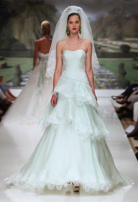 La romantica e fiabesca collezione sposa 2015 Atelier Aimée ... b100868d566