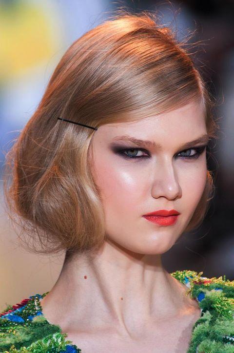 Head, Lip, Hairstyle, Chin, Forehead, Eyebrow, Eyelash, Style, Eye shadow, Beauty,