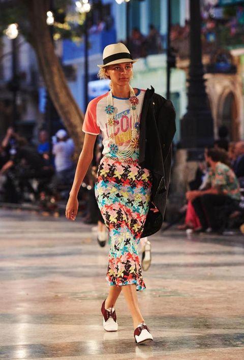 Hat, Shoulder, Fashion show, Runway, Style, Street fashion, Fashion, Waist, Fashion model, Sun hat,