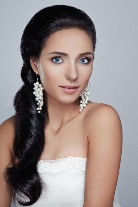 Earrings, Lip, Hairstyle, Skin, Forehead, Shoulder, Eyebrow, Bridal accessory, Eyelash, Jewellery,