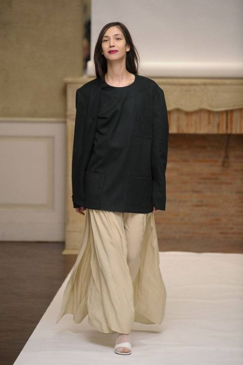 Brown, Sleeve, Shoulder, Style, Flooring, Floor, Khaki, Fashion, Neck, Waist,