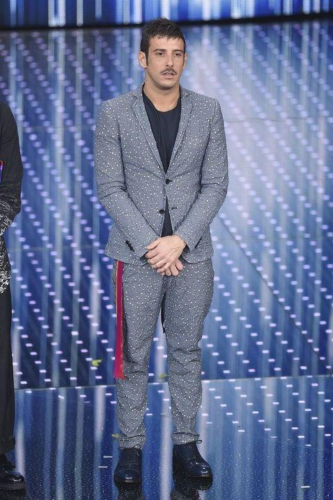 Leg, Trousers, Coat, Outerwear, Dress shirt, Standing, Suit, Style, Blazer, Suit trousers,