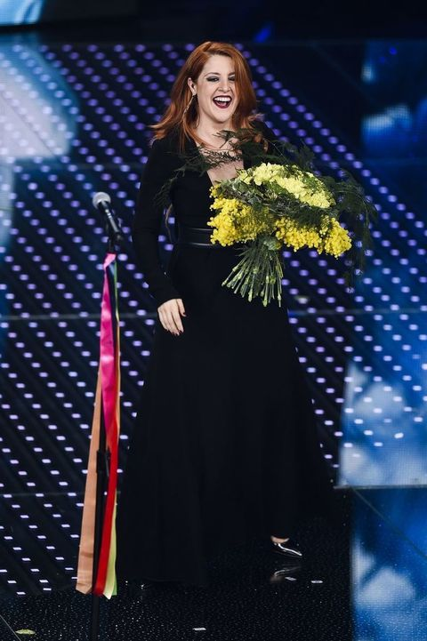 Dress, One-piece garment, Day dress, Long hair, Blond, Fashion design, Stage, High heels, Makeover, Talent show,