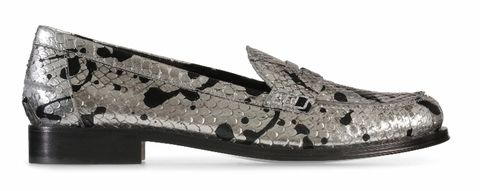 Black, Metal, Beige, Natural material, Silver, Synthetic rubber, Embellishment, Steel,