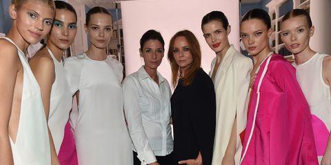 74b469a91a3a Stella McCartney lancia la collezione di moda etica Green Carpet ...