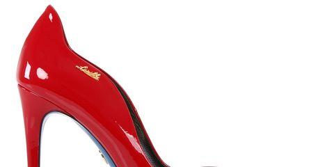 Arrivano le feste  che calzature scegliere  Meglio le scarpe col tacco o le  ballerine. O addirittura gli anfibi o gli stivali (per rinnovare il  classico ... 0e9c2089d80